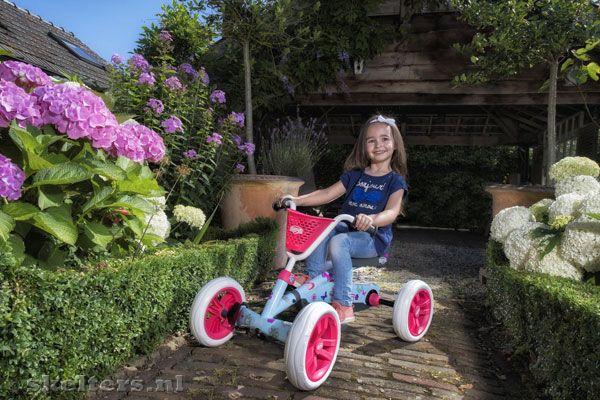 Berg Skelter Buzzy Bloom Buitenspeelgoed Lichtblauw Roze